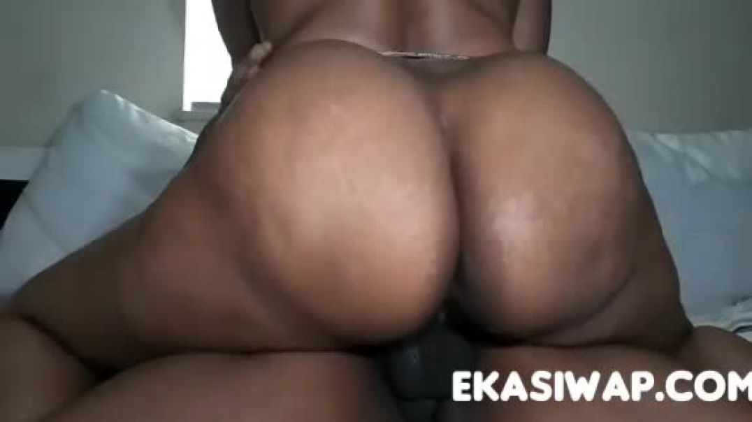 Sarah big ass ontop
