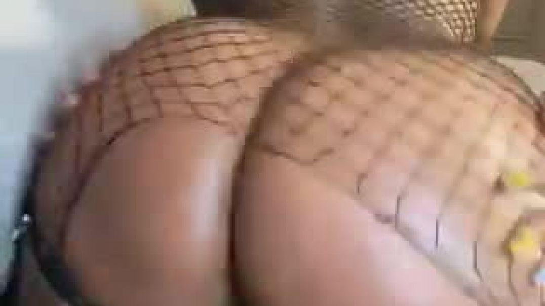 Lesbian fucking hard